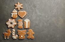 Christmas Tree Shape Made Of D...