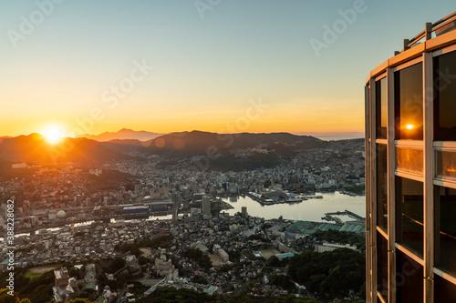 Photo 長崎県長崎市 夜明けの稲佐山展望台から望む風景
