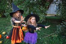 Little Children Trick Or Treat...