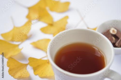 Fotografia 紅茶とチョコレートで秋の時間をのんびりと過ごす