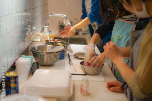 Foto 料理教室での調理風景