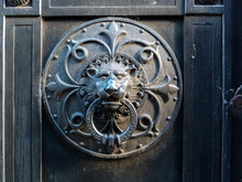 Antique Old Steel Lion Door Kn...