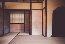日本建築の和室イメー...