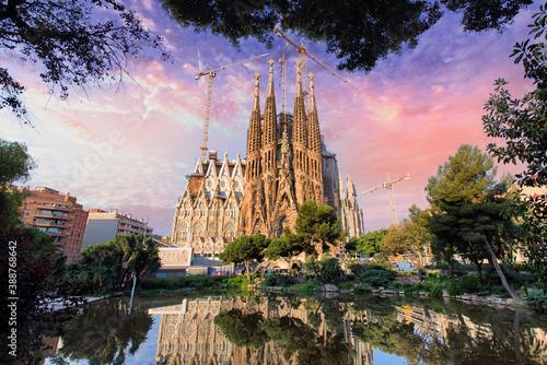Sagrada Familia basilica in Barcelona Fototapet