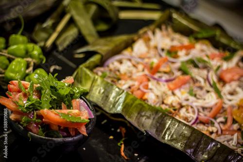 Preparación de Pib (también conocido como Mucbilpollo) comida tradicional de Han Canvas