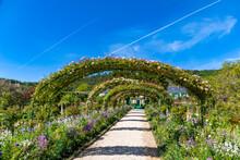 Claude Monet Garden And House ...