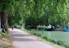 Péniches Canal Du Midi Toulou...