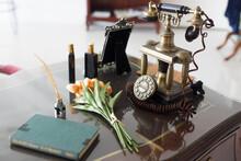 Retro Vintage Style Telephone ...