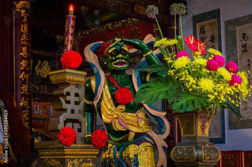 Photo Tainan, Taiwan, Asia, October 12, 2019 Altar with sculptures of ancient deities