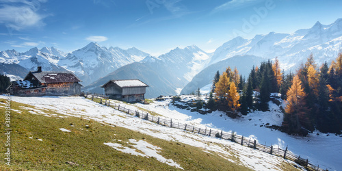 Panorama einer Berglandschaft mit Almhütte in Österreich Wallpaper Mural