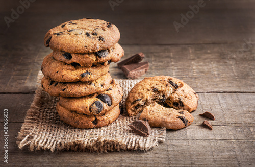 Fotografia Tasty sweet chocolate chip cookies