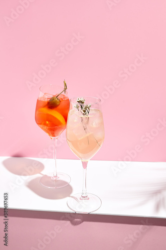 Canvas Print Aperol Spritz Cocktail on pink background