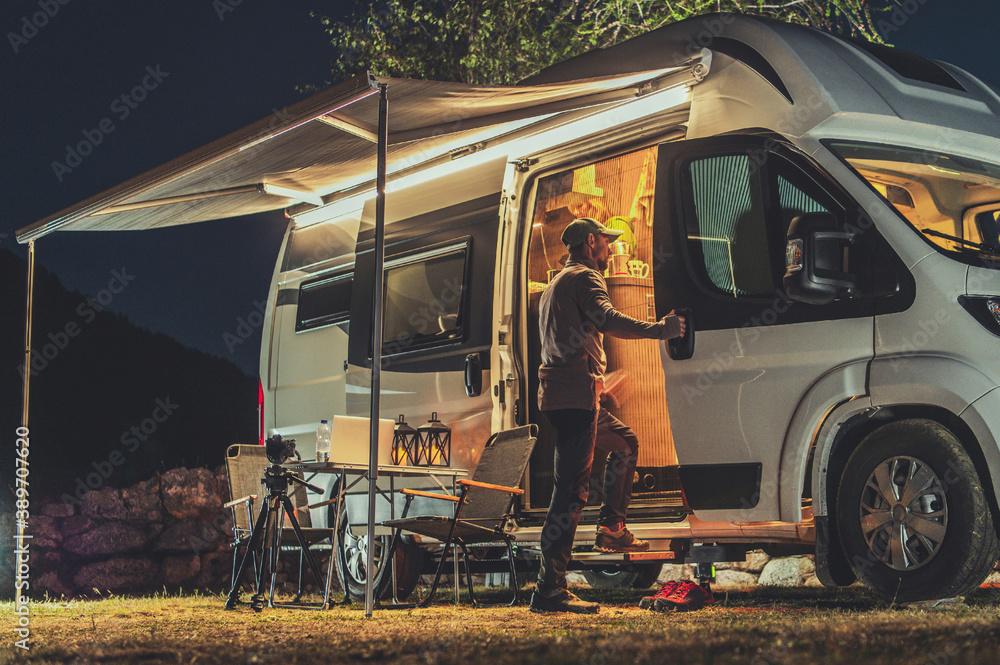 Fototapeta Motorhome RV Park Camping