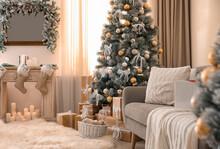Beautiful Christmas Tree In De...
