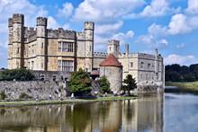 Château De Leeds. Kent. Royau...