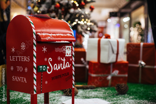 Tablou Canvas Mailbox for christmas letters to Santa Claus