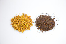A Comparison Between A Pelletized Corn Gluten Meal Vs A Granulated Corn Gluten Meal (with Added Compost) In Non-toxic, Natural Lawn Care As A Pre-emergent To Weeds