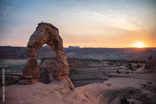 View of the delicate arch in arches national park at sunset Wallpaper Mural