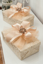 Gift Box Bow With Brooch Isola...