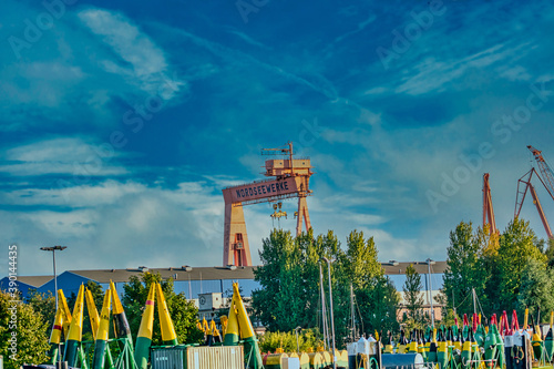 EMDEN, GERMANY - Sep 30, 2020: the Nordseewerke crane in Emden under a blue sky Canvas-taulu