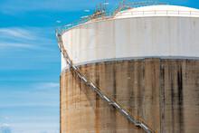 Large Concrete Storage Refining Silos