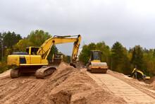 Excavator And Vibro Roller Soi...
