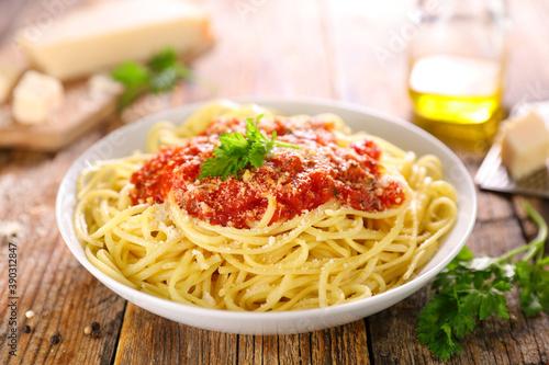 spaghetti with tomato sauce and parmesan Fototapet