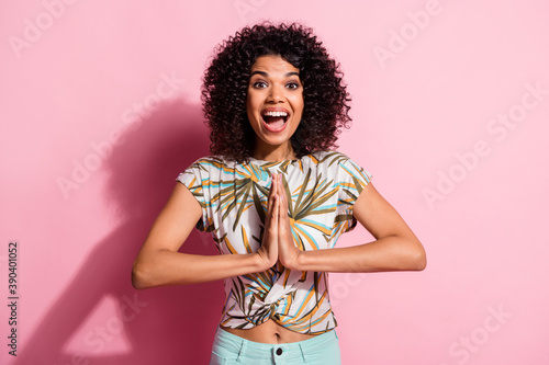 Fotografering Photo portrait of excited woman in anticipation isolated on pastel pink colored