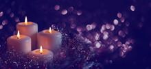 Vier Brennende Kerzen Am Abend