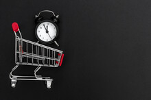Clock With Shopping Cart On Bl...