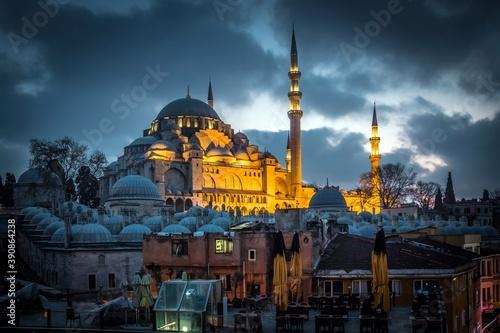 Fotografía Night Suleymaniye Mosque against dramatic sky