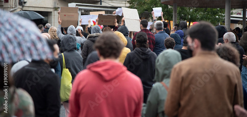 Fotografia manifestación por las restricciones de la pandemia
