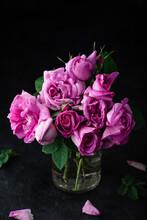 Bouquet Of Small Pink Garden R...
