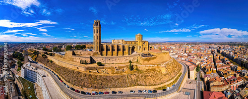 Obraz na plátně Aerial view of a Gothic-Romanesque cathedral in Lleida in Spain's northeastern C