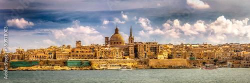 Papel de parede Panorama Blick auf Valetta in Malta Altstadt mit Kathedrale