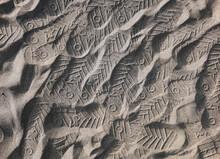 Le Impronte Sulla Sabbia Sembr...