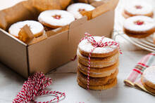 Homemade Linzer Christmas Cookies To Make A Present