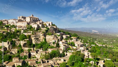 Fotografía View of hilltop village Gordes in Provence, France
