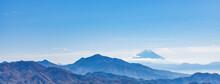 青空の富士山、金ガ岳...