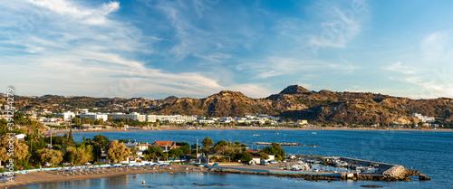 Foto Panorama of the vicinity of the Faliraki resort on Rhodes - the sea, the beach a
