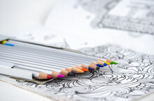 Set Of Colored Pencils In A Bo...
