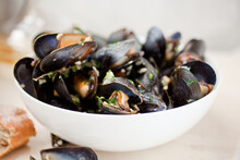 Ale Steamed Mussels With Garli...