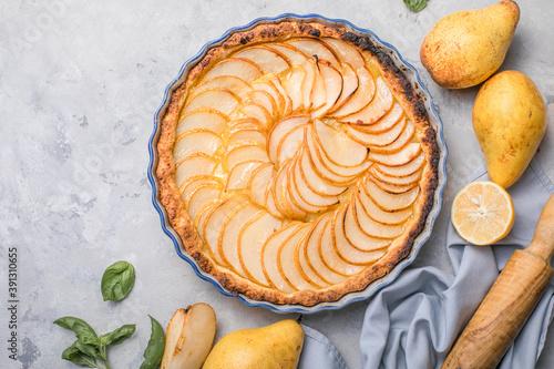 Obraz na plátně La Tarte Bourdaloue - French pear tart or pie with fresh pear fruits