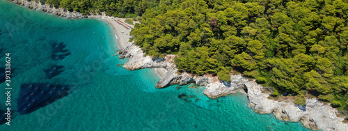 Photo Aerial drone ultra wide panoramic photo of tropical paradise deep turquoise lago