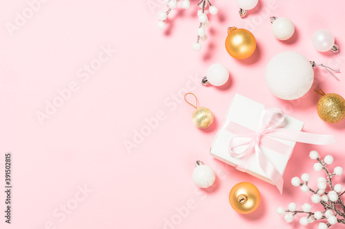 Christmas pink flat lay background with holiday decorations. Fototapete