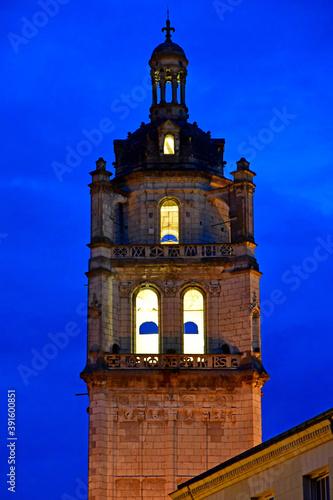 Obraz na plátně Loches; France - july 15 2020 : Saint Antoine tower