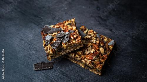 Foto Pecan bar with chocolate