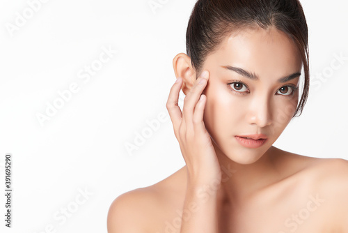 Beautiful young asian woman with clean fresh skin on white background, Face care, Facial treatment, Cosmetology, beauty and spa, Asian women portrait - fototapety na wymiar