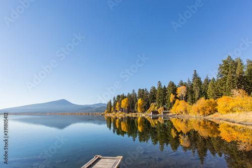 Fotografie, Obraz Peaceful Oregon Lake in the Fall