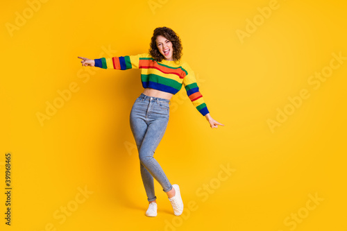 Photo Full length photo of funky girl dance open mouth wear striped cropped pullover j